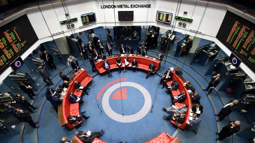 تضاد در بورس و بازار آهن