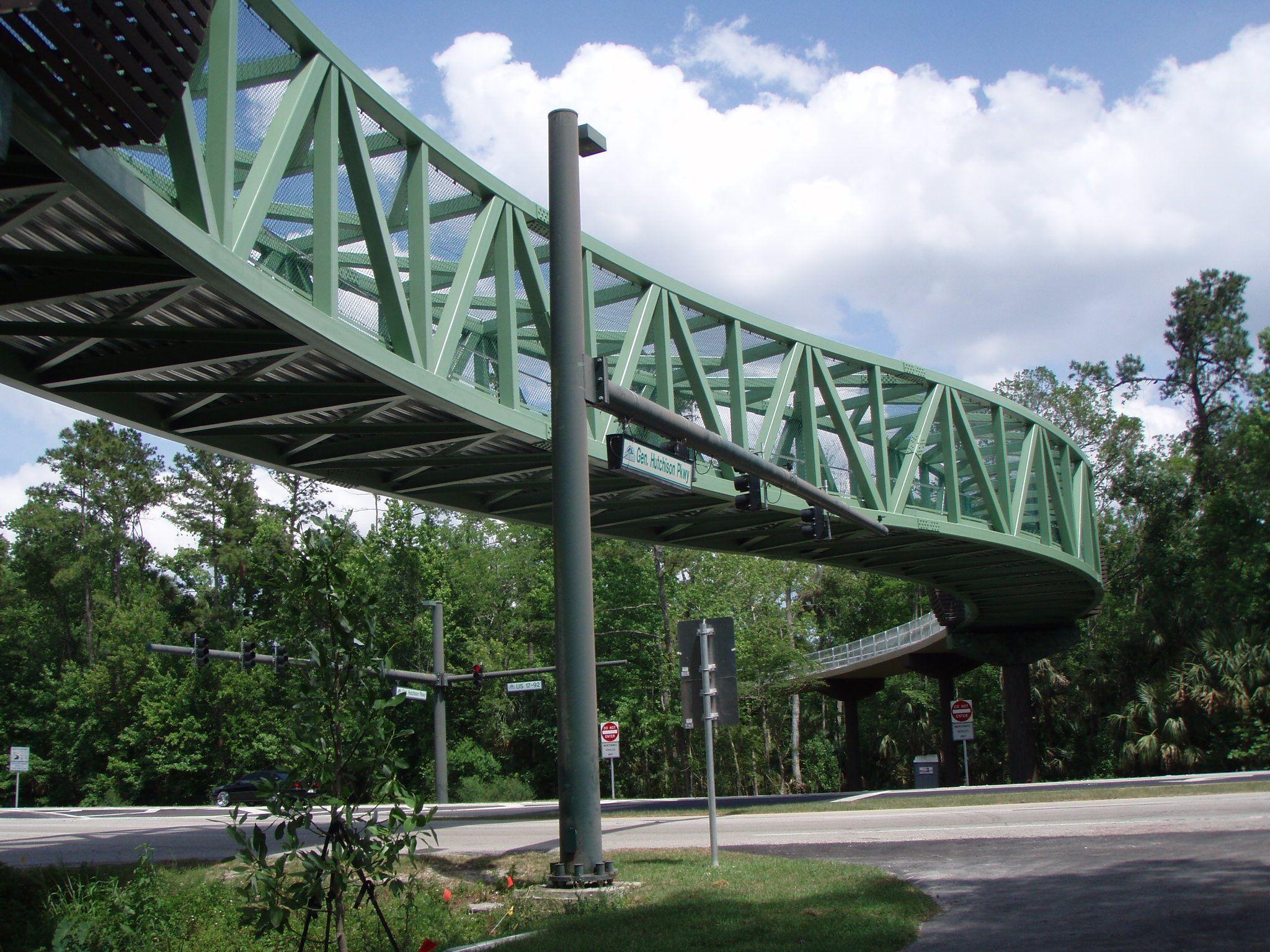 مقاطع HSS در ساخت پلهای عابر پیاده